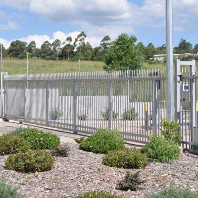 Sliding commercial industrial gate manufacturer