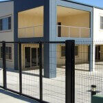 Swing commercial gate manufacturer